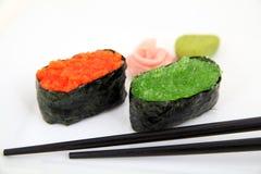 Sushi gunkan mit Kaviar, tobiko Lizenzfreie Stockbilder