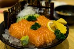 Sushi i platta Arkivbilder