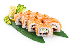 Sushi Ikura isolato su fondo bianco immagine stock libera da diritti