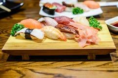 Sushi, japanisches Lebensmittel lizenzfreies stockbild