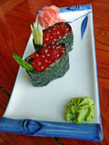 Sushi japonês com caviar vermelho, e wasabi Imagens de Stock