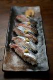 Sushi japonês de Sanma da culinária (sauro pacífico) Imagens de Stock Royalty Free