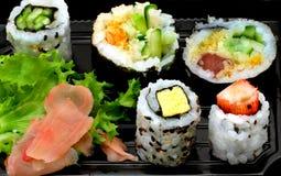 Sushi japonais traditionnels de cuisine Images stock
