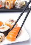 Sushi japonais traditionnels de nourriture Photo stock