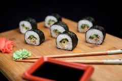 Sushi maki unagi hosomaki mit Aal Lizenzfreies Stockbild