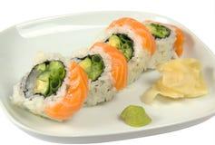 Sushi med laxen Arkivfoto