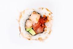 Sushi met avocado, vissen en rode kaviaar hoogste mening Royalty-vrije Stock Foto