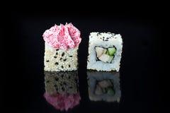 Sushi met bovenste laagjes Royalty-vrije Stock Foto's