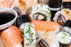 Sushi mezclado (tiro macro) imagen de archivo libre de regalías