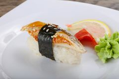 Sushi mit Aal Stockfotos