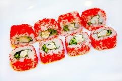 Sushi mit Aal, Rogen 4 des fliegenden Fisches Stockbilder