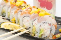 Sushi mit Ess-Stäbchen Lizenzfreies Stockbild