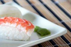 Sushi mit Garneledetail Stockfoto