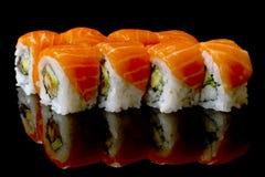 Sushi mit Lachsen Stockfotografie