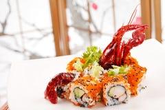 Sushi mit sehen Krebs lizenzfreie stockfotografie