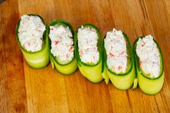 Sushi mit stopfen Fleisch voll stockfotografie