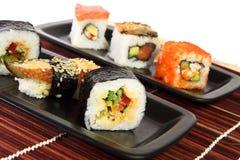 Sushi multicolores Photographie stock libre de droits