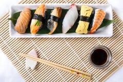 Sushi noirs assortis Photographie stock libre de droits