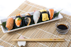 Sushi noirs assortis Photo stock