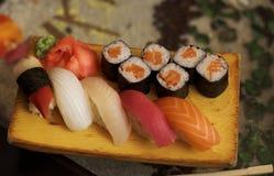 Sushi och rullar Arkivbilder