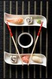 Sushi op witte plaat Stock Fotografie