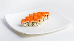 Sushi på en plätera Royaltyfria Bilder