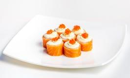 Sushi på en plätera Arkivbilder