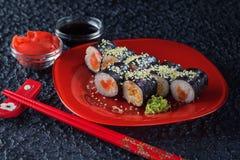 Sushi på en plätera Royaltyfria Foton