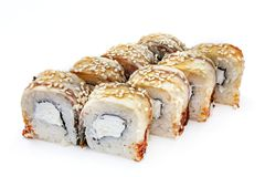 Sushi, petit pain, sushi japonais de fruits de mer, petit pain sur un fond blanc Photo stock