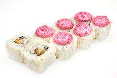 Sushi, petit pain, sushi japonais de fruits de mer, petit pain sur un fond blanc Images libres de droits