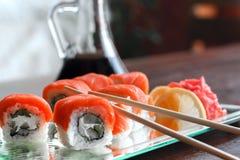 Sushi philadelphia rulle, japanskt kök, japansk mat Royaltyfri Foto