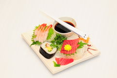 Sushi Rolls en el fondo blanco Fotografía de archivo