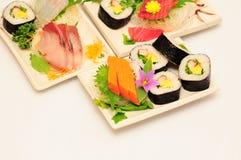 Sushi Rolls en el fondo blanco Imagen de archivo