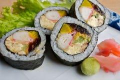 Sushi rotolati giapponesi Fotografia Stock