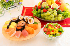 Sushi with salad Royalty Free Stock Photography