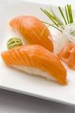 Sushi saumonés photographie stock