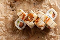 Sushi saumonés et fumés de Maki d'anguille Photos libres de droits