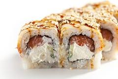 Sushi saumonés et fumés de Maki d'anguille Image libre de droits
