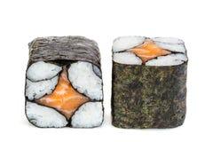 Sushi semplici di maki di causa, due rotoli isolati su bianco Fotografie Stock Libere da Diritti