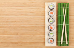 Sushi set with salmon and cucumber Royalty Free Stock Photos