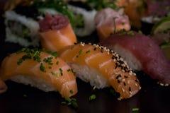 Sushi som är combo med flera stycken Arkivbild