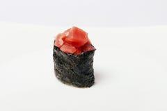 Sushi som isoleras på vit Arkivfoton
