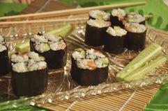 Sushi su bambù Immagini Stock Libere da Diritti