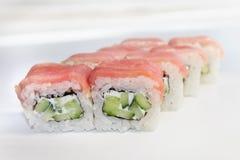 Sushi su priorità bassa bianca fotografia stock libera da diritti