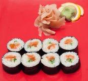 Sushi su una zolla Immagine Stock Libera da Diritti