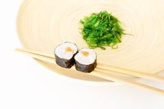 Sushi, un aliment japonais typique image stock