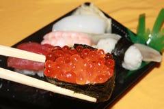 Sushi vermelho do caviar Fotos de Stock Royalty Free