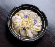 Sushimaträtt arkivbild