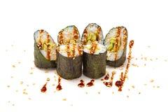 Sushirolle mit Avocado Stockfoto