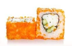 Sushirolle mit Krabbe und orange tobico Stockbilder